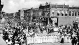 FOURTH OF JULY PARADE, TIPTON IN: SHOWING GIRLS AND BAND MARCHING, CITIZENS NATIONAL BANK, LEWIS...